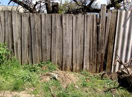 Hall's Hill wooden wall.jpg
