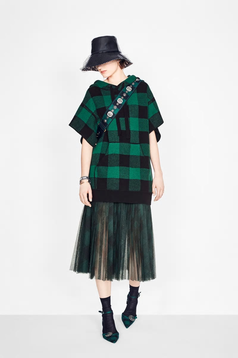 Fall Plaids - DIORHooded sweater in cashmere knit,