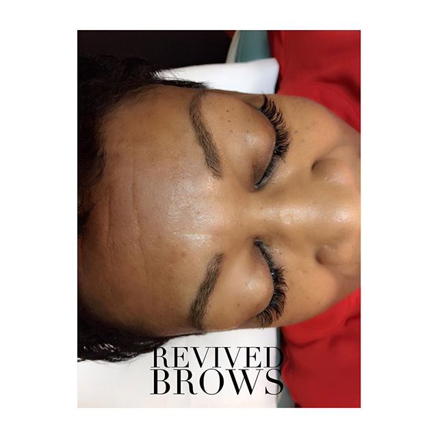 This beauty came to me with sparse-thin brows which is a very common complaint in women. This can occur for several reasons such as: years of waxing/plucking and the natural aging process.  This picture was taken after her initial microblading session, 6 weeks healed! 😍 #revivedbrows #revivedaesthetics #revivedbrowsbyjenv #microbladingnurse #nurselife #microblading #eyebrows #brows #transformation #microbladingeyebrows #micropigmentation #pmubrows #eyedesign #eyedesignny beauty #art #browart #permanentmakeup #lovemyjob #semipermanentmakeup #browsfordays #browshaping #pmu #esthetics #browsfordays #pmuartist #greenvillemicroblading