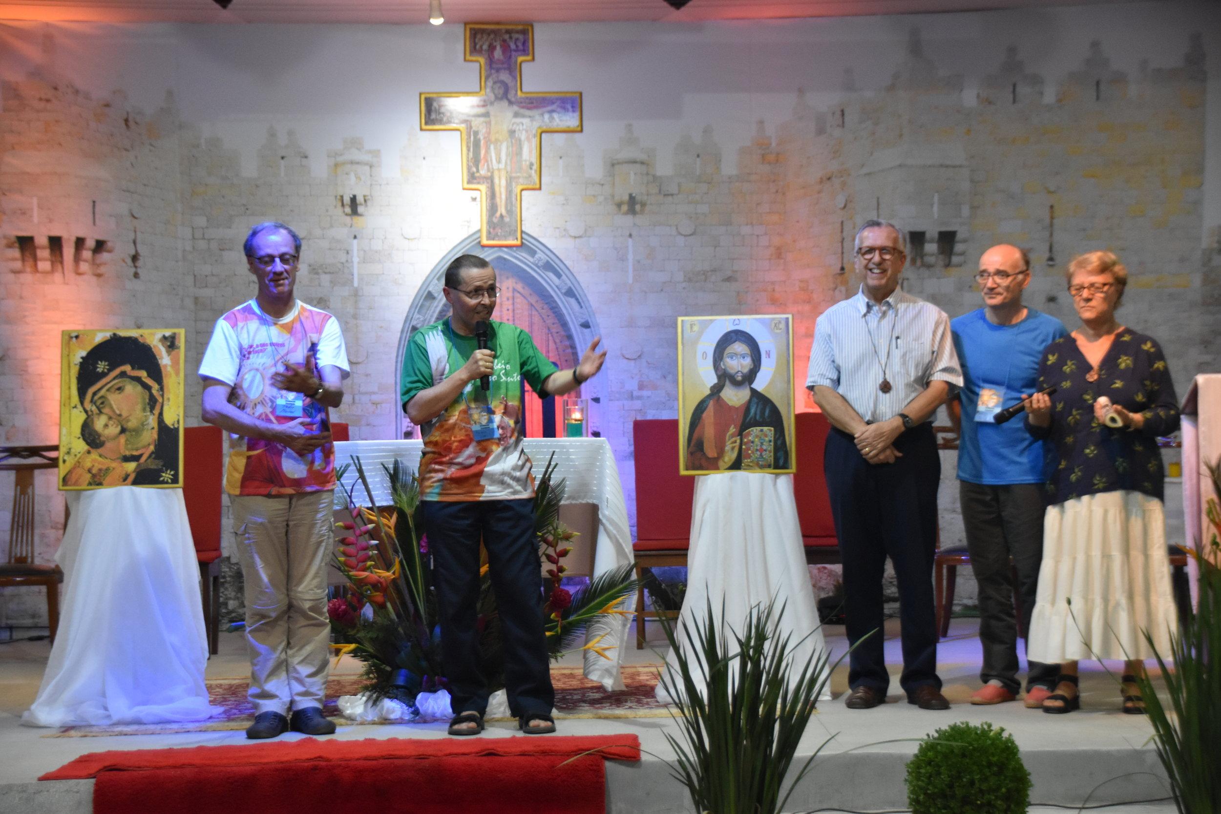 Pe. Martial,Pe. Joël Pralong, Diác. Georges Bonneval, Francisco Maria e Marie Bonneval