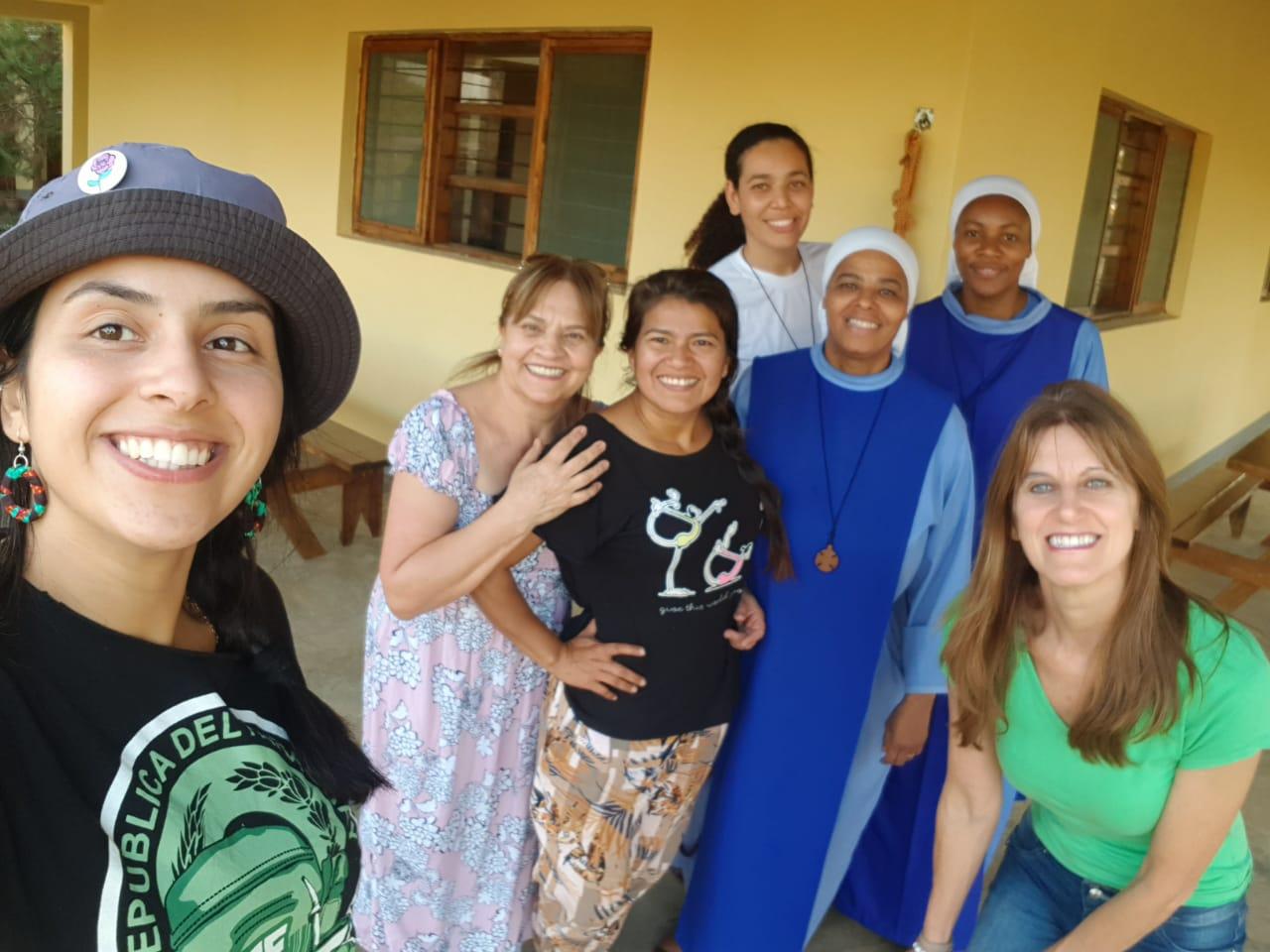 Missionárias Fazenda da Esperança e missionárias Sementes do Verbo.