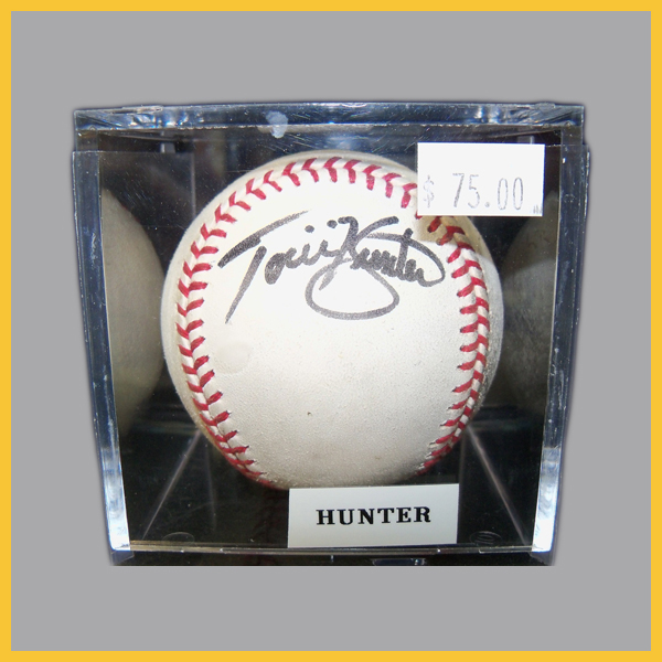 Torii-Hunter-Autographed-Baseball-FEATURE.jpg