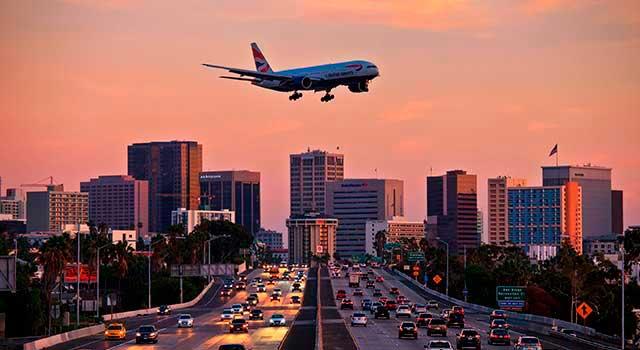 plane-above-the-highway-landing-near-san-diego-airport.jpg
