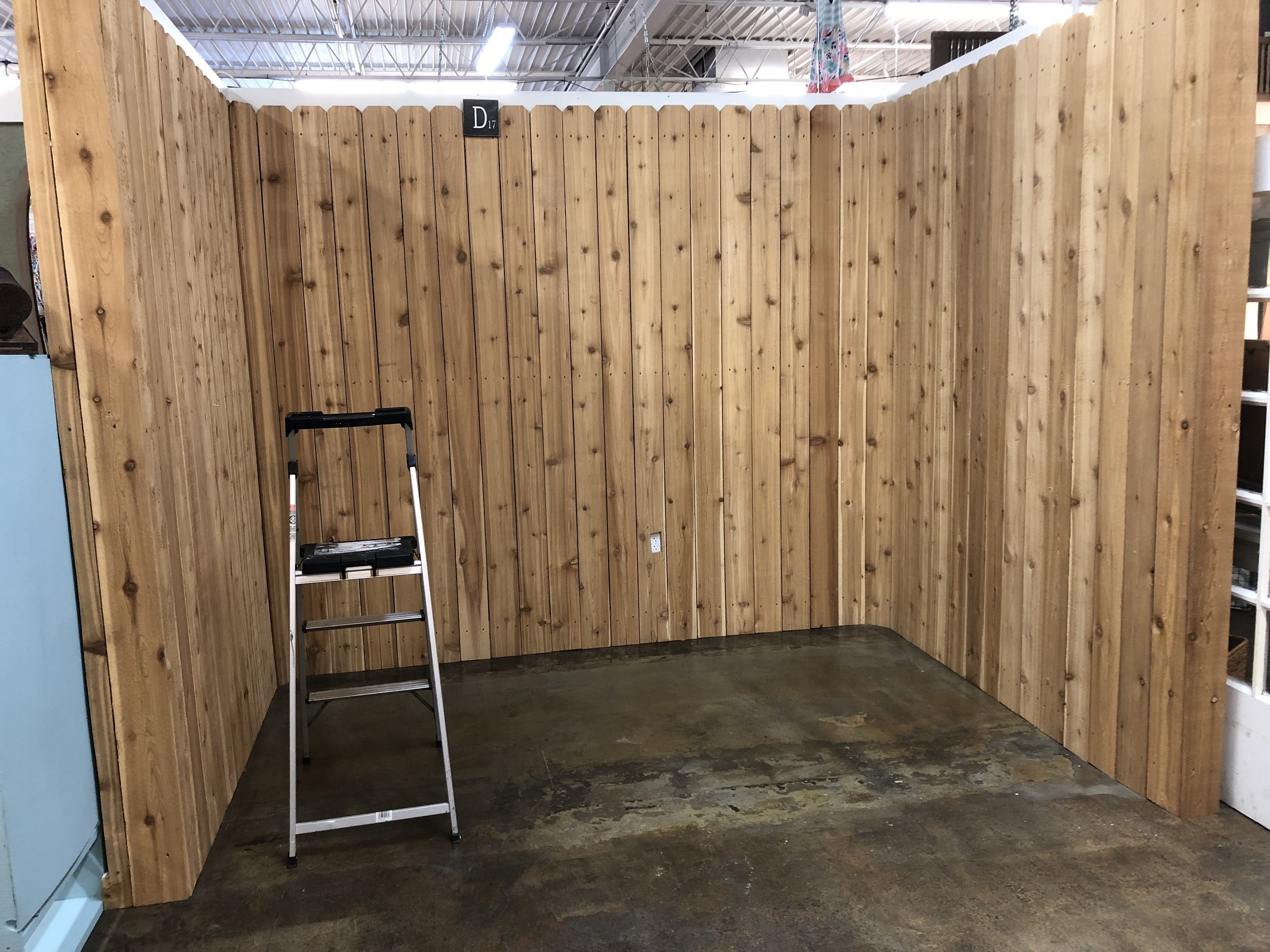 I'm not sure how I feel about the fence boards. They were left by the old owner of this booth. The good news is Painted Tree let's you customize your space so I can change it! The bad news is that I don't have time to change it at the moment.