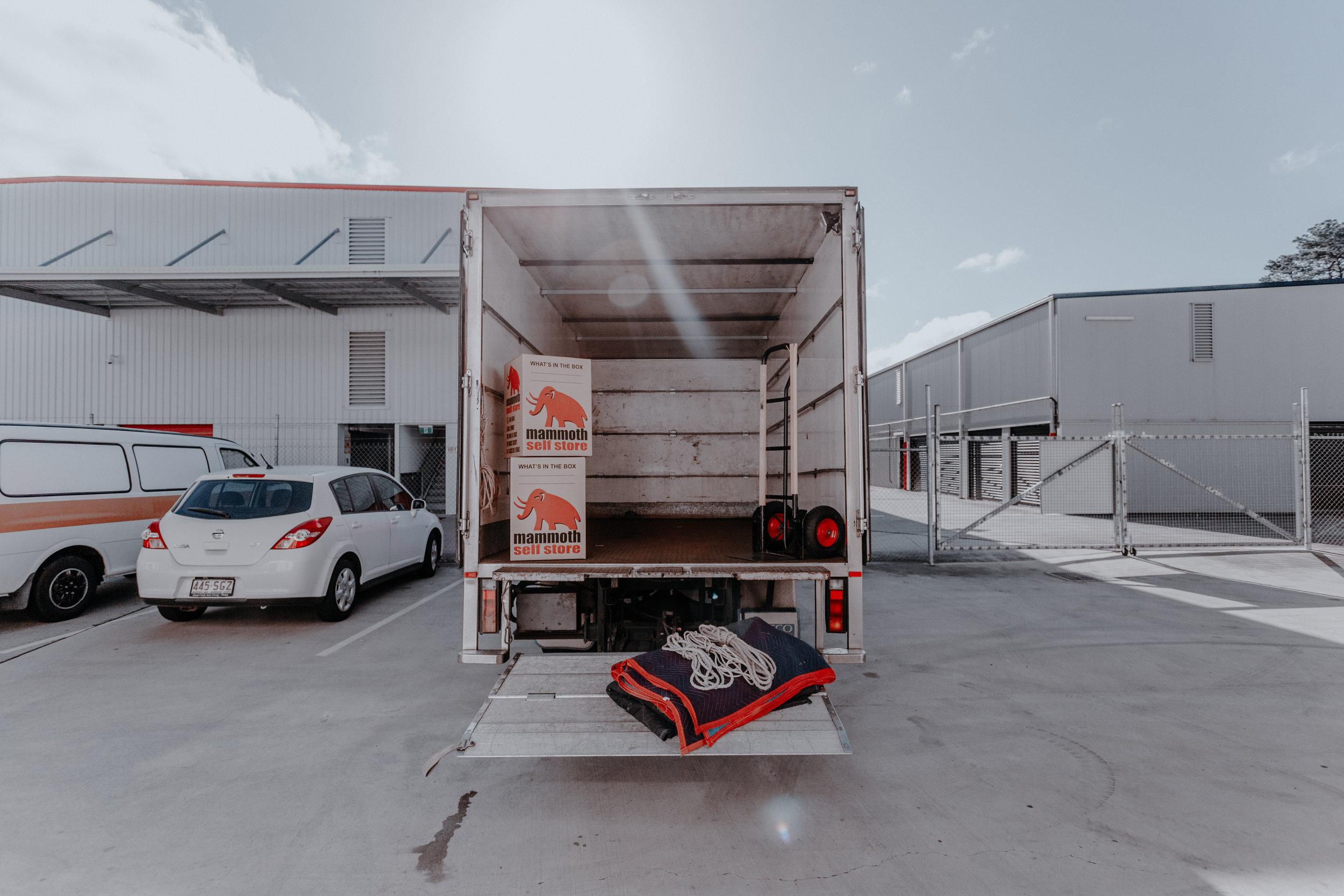 Free.Truck.Hire.Mammoth.jpg