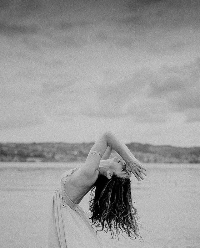 Goddess @christinemayyoga ✨ • #yoga #yogaphotographer #yogafotograf #yogaphotography #yogafotografie #yogaflow #yogastudio #yogalifestyle #yogini #yogapose #photography #vinayasaflow  #fotografzürich #photographerzurich #fotografschweiz #yogazürich #yogaschweiz #yogalehrer #yogateacher #yogainswitzerland #yogainzurich