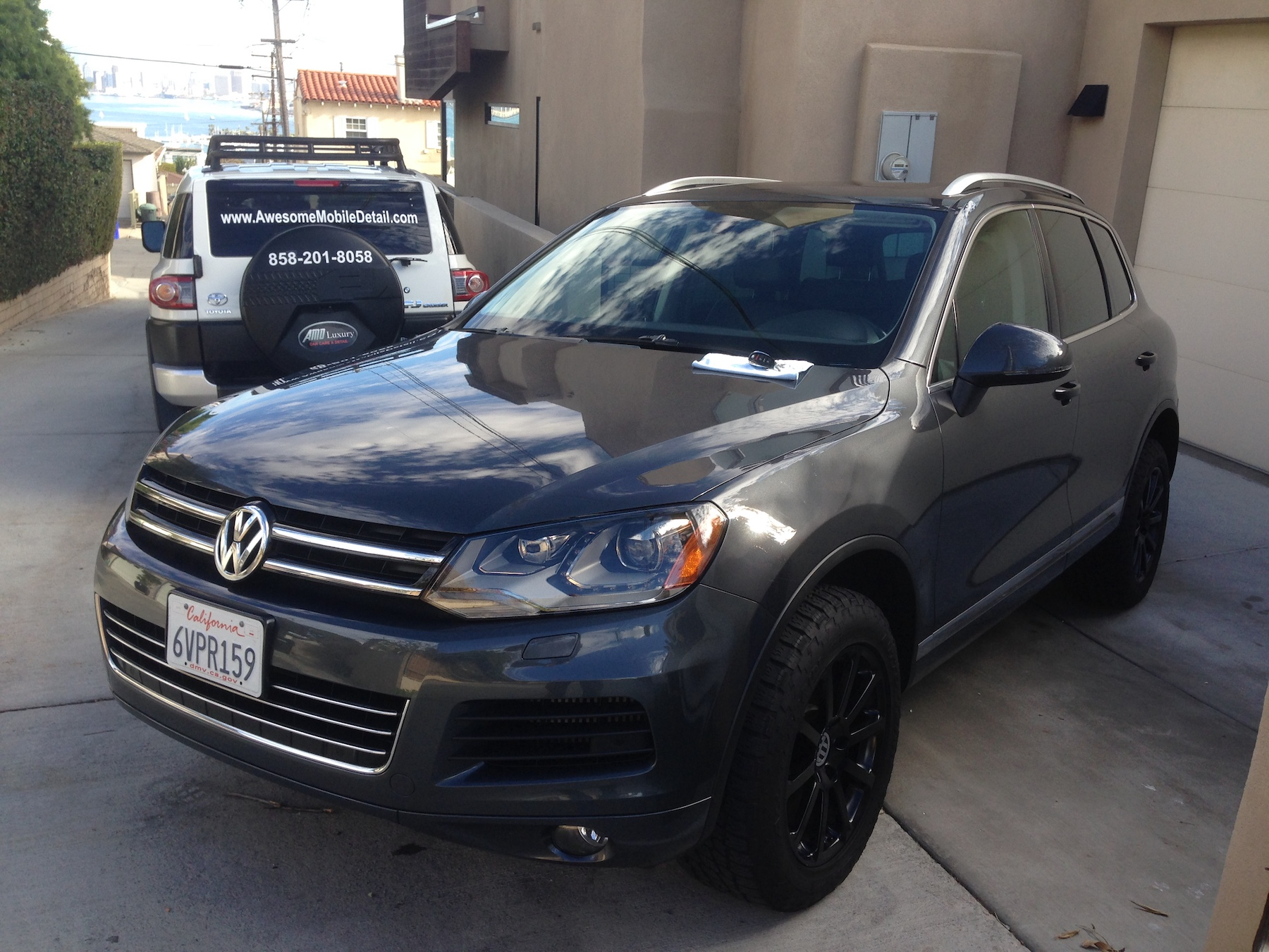 Volkswagen Touareg.JPG