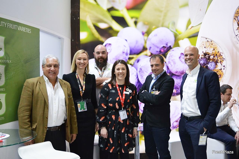 The team from Soloberry, AG Thames and Newstairs, at Fruit Logistica in Berlin