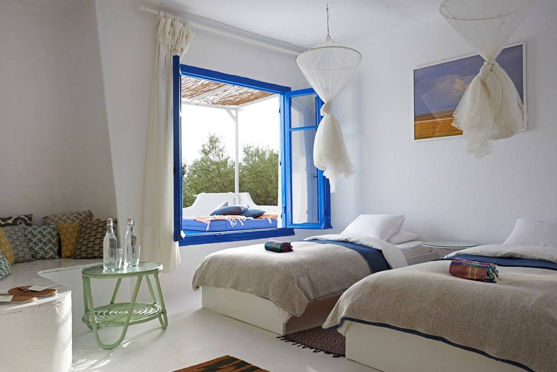 Το δωμάτιο Hemera με μοντέρνο Ελληνικό χαρακτήρα