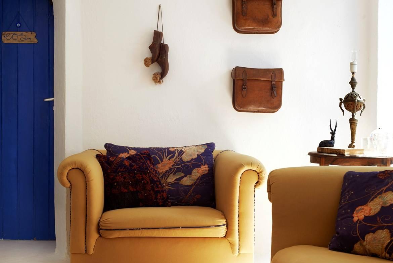 Το σαλόνι σε παραδοσιακό Ελληνικό στυλ
