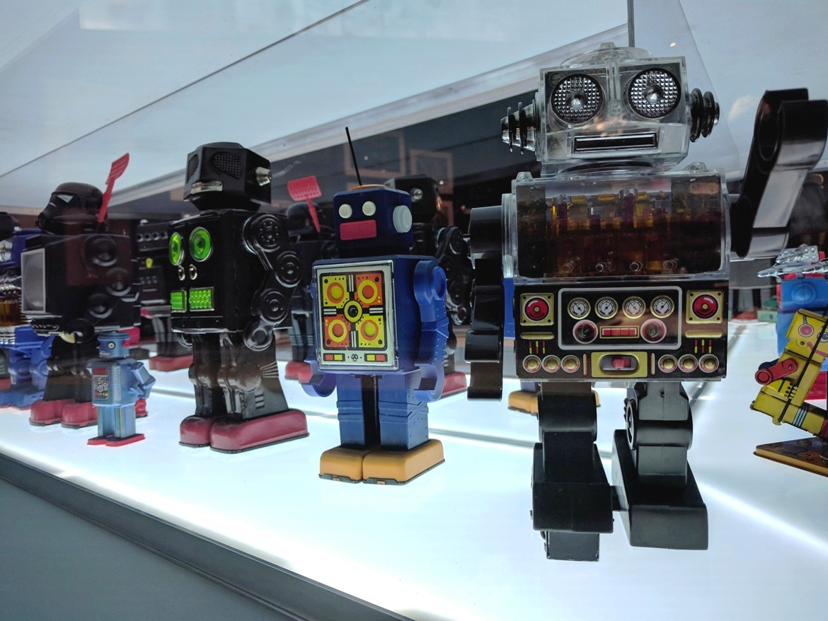 Cute robots coming straight from Asia