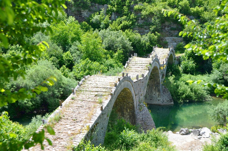 Bridge of Kalogeriko in Zagorochoria