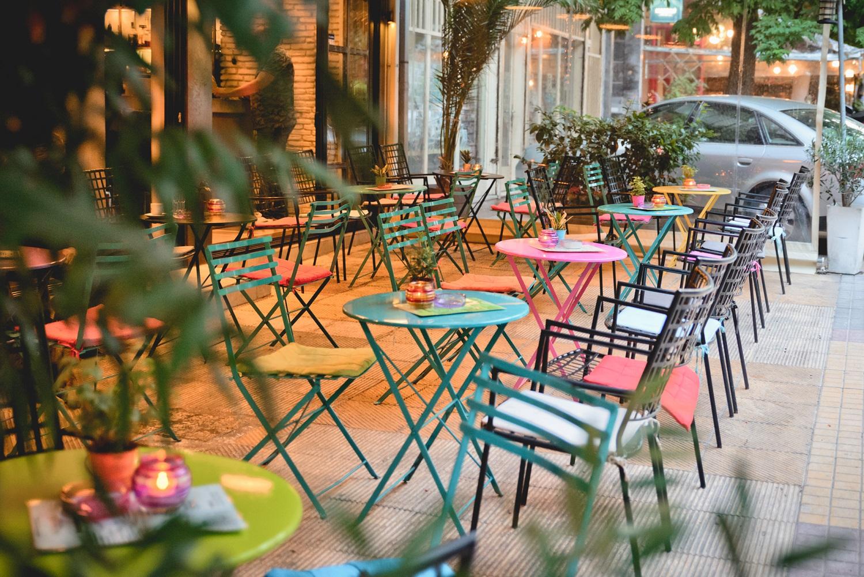 Enjoy your coffee at Koukaki's various quaint coffee shops. Source:  Exodos