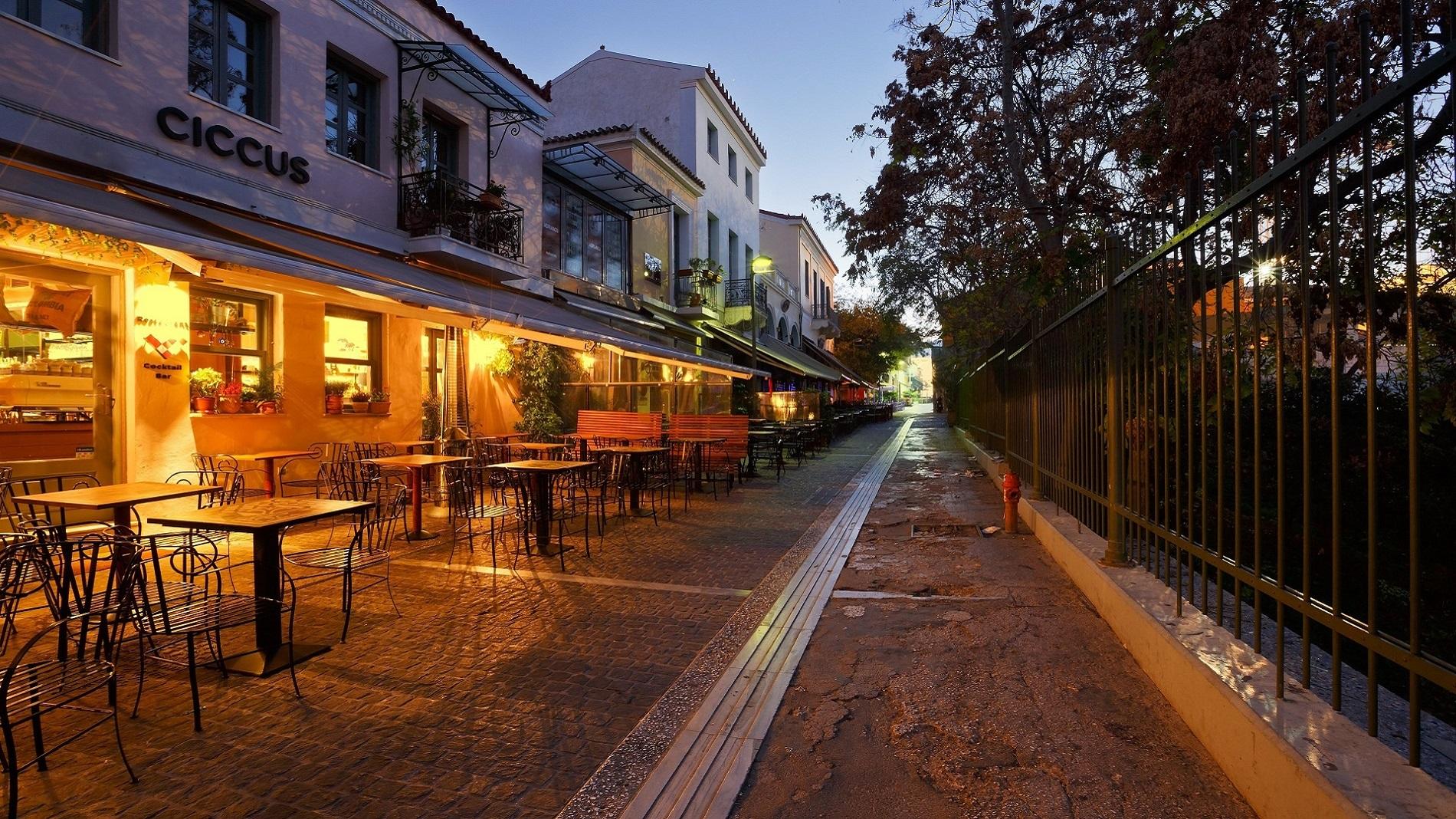 Ο πεζόδρομος της Αδριανού στην Αθήνα. Πηγή:  Trip2Athens