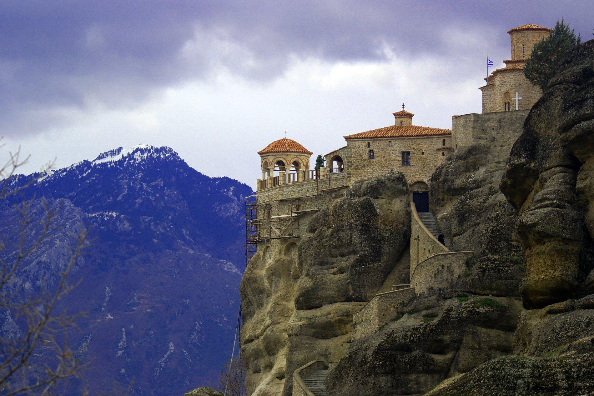 The Meteora monasteries on top of rock towers. Source: Truevoyagers