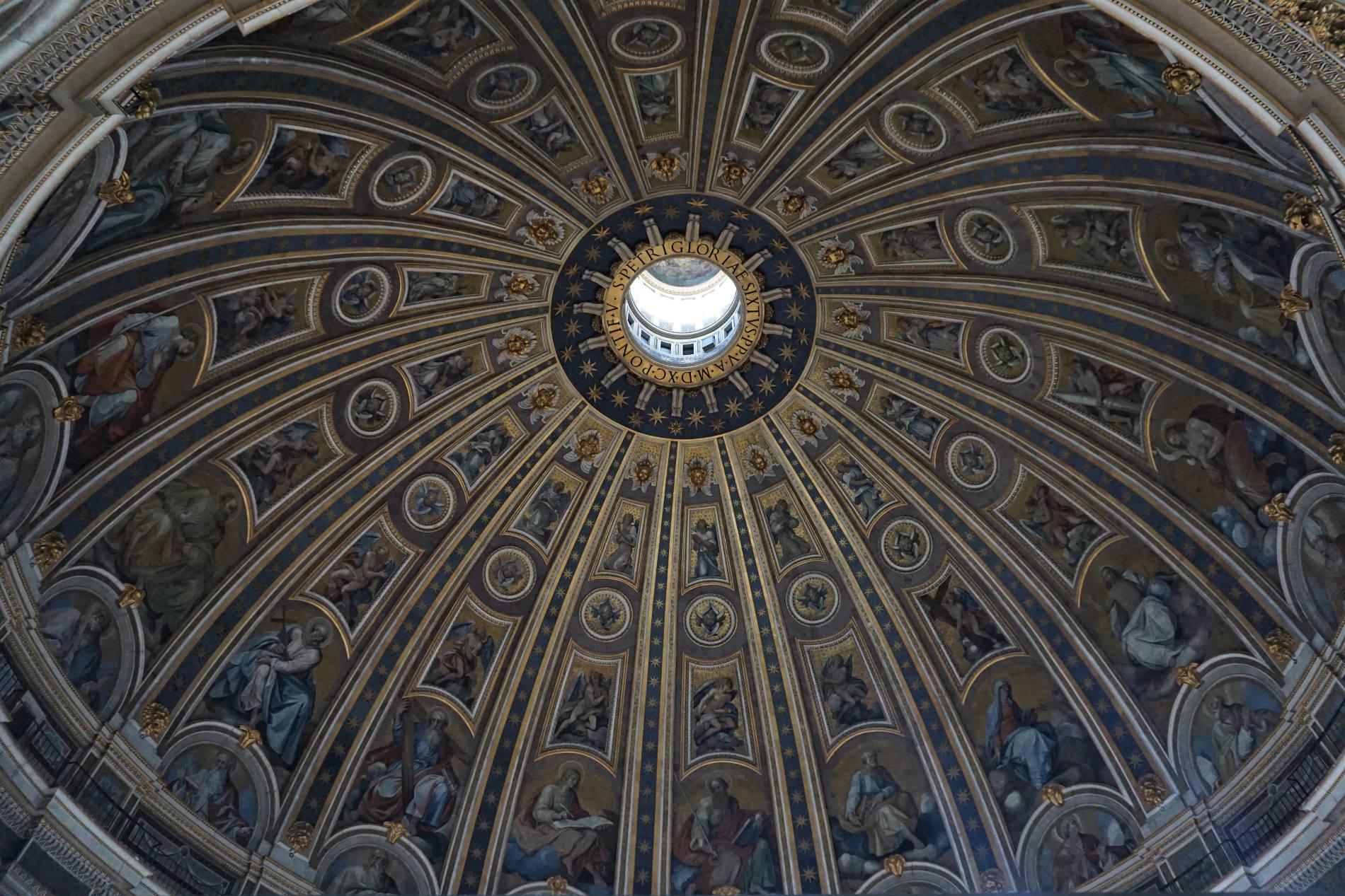 Lavish decoration of the interior of Saint Peter's Basilica. Source: Truevoyagers