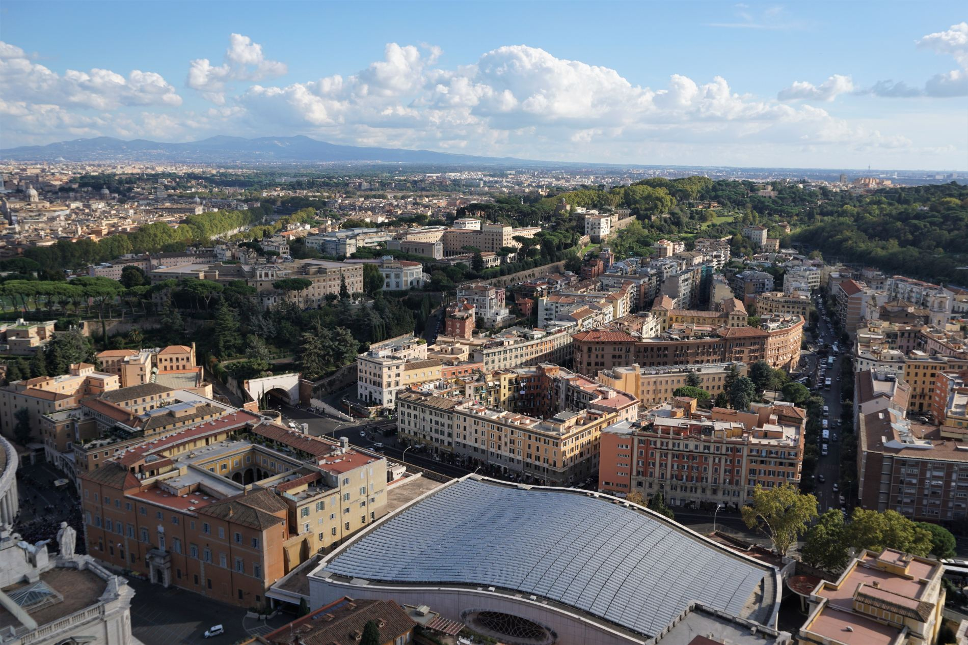 Bird-eye view of the city from Saint Peter's Basilica rooftop. Source: Truevoyagers