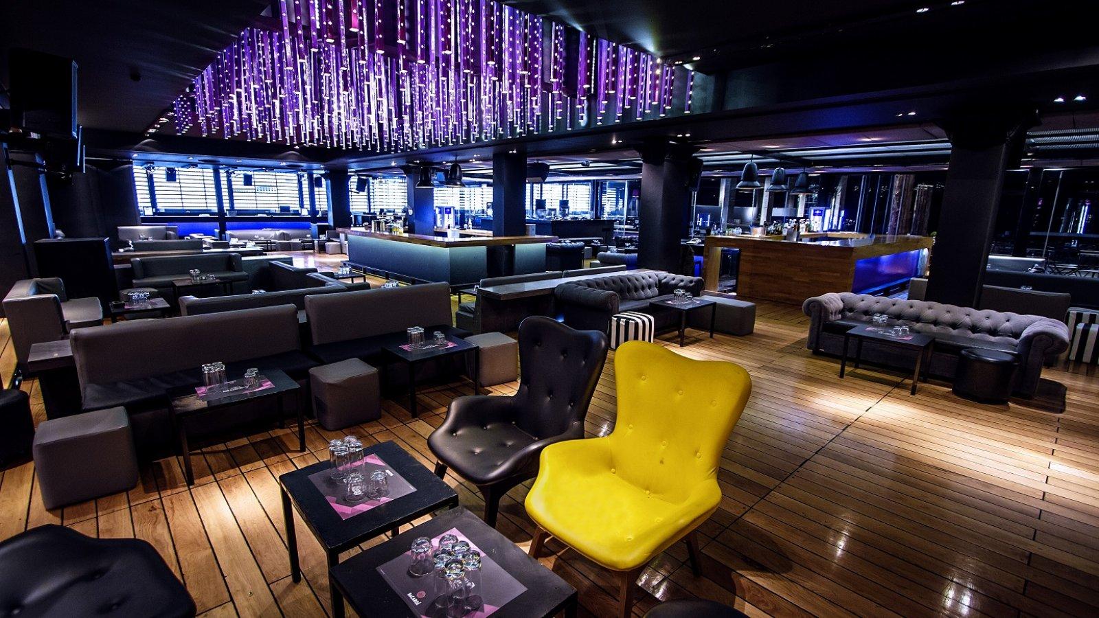 The lounge of  Akrotiri Boutique  bar-restaurant in Agios Kosmas. Source:  Akrotiri