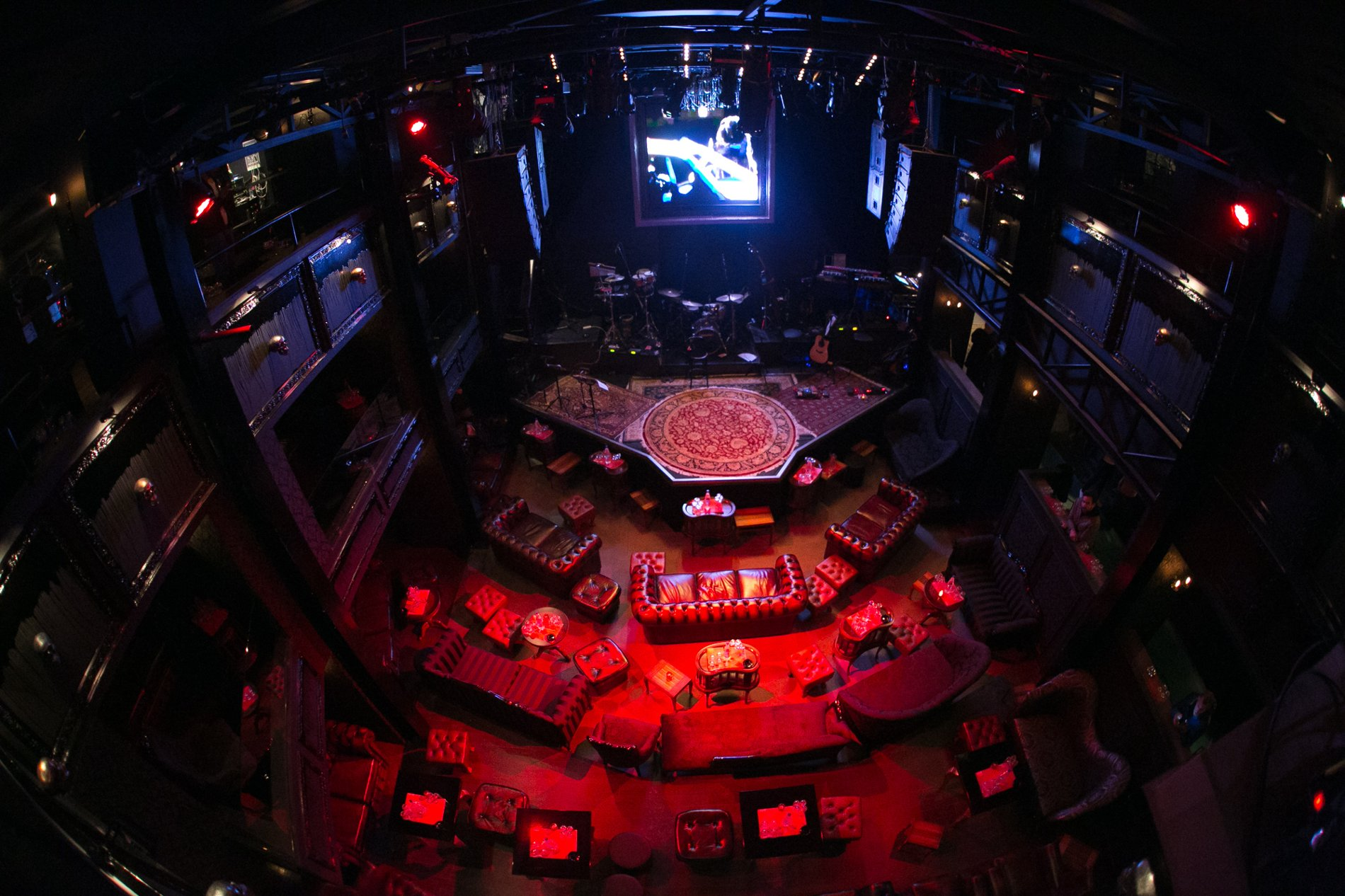 The stage of Hotel Ermou music scene in Athens. Source:  Join-us