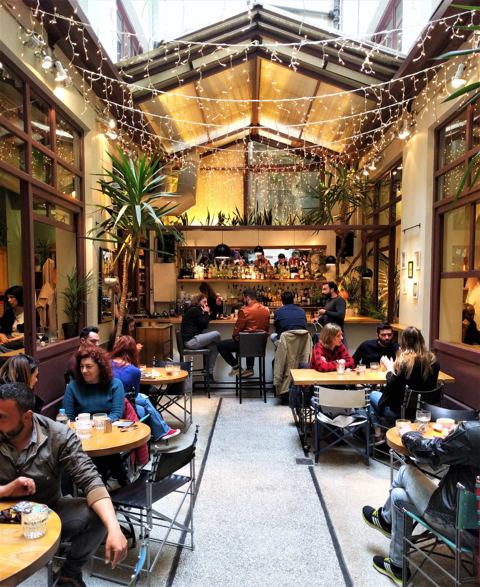 A chilled night out for drinks in  Bartesera  bar in the center of Athens. Source: Truevoyagers