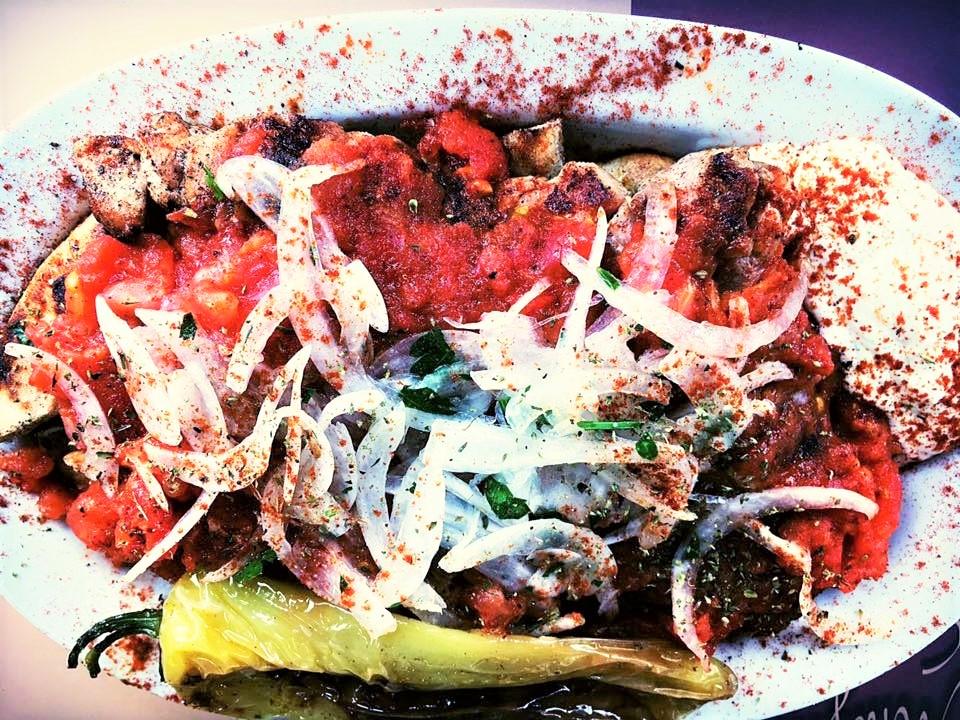 A spicy taste of the Greek  bifteki . Source: Mpiftekopoleio