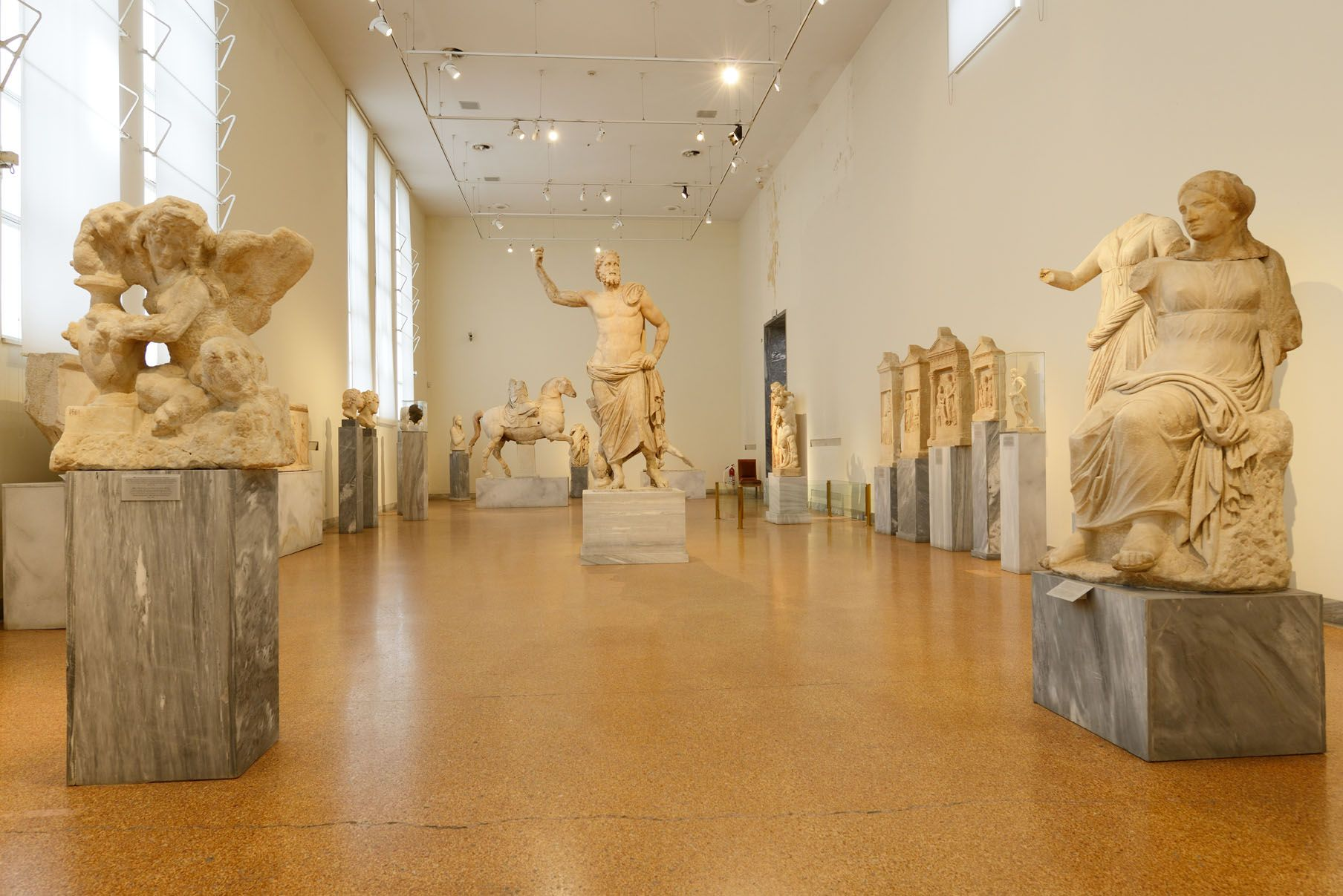 Inside the National Archaeological Museum of Athens. Source: artandlife.gr