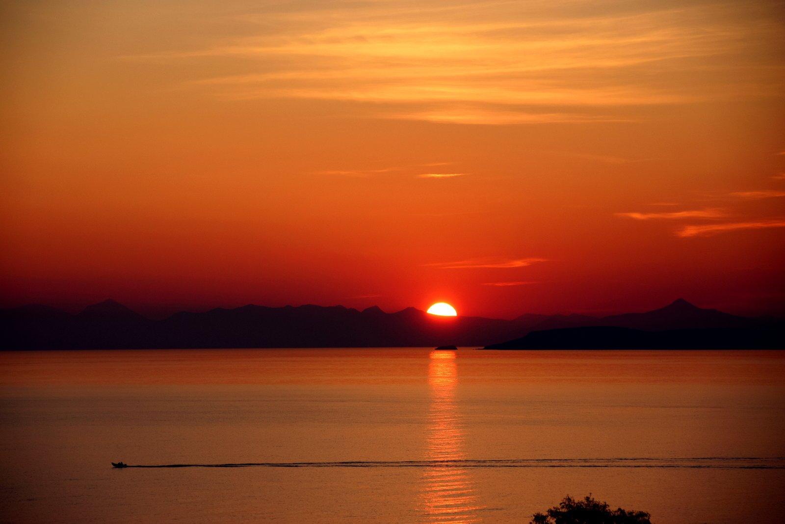 Sunset in Kalivia Thorikou, Lagonisi, Greece. Source: Konstantinos Matzarakis
