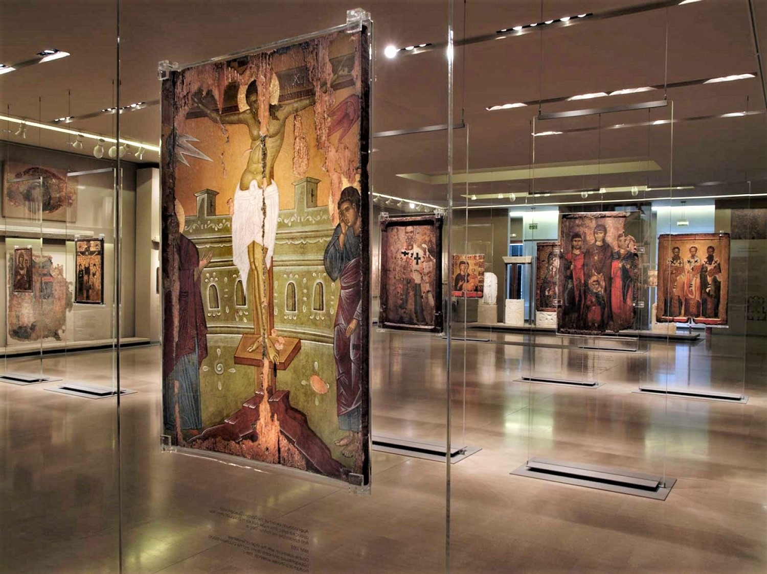 More than than 25,000 exhibits, including rare pictures, sculptures, mosaics, frescoes and copies of artifacts dating from the 3rd century AD to the late medieval period and post-Byzantine times can be found in the Byzantine and Christian Museum of Athens.