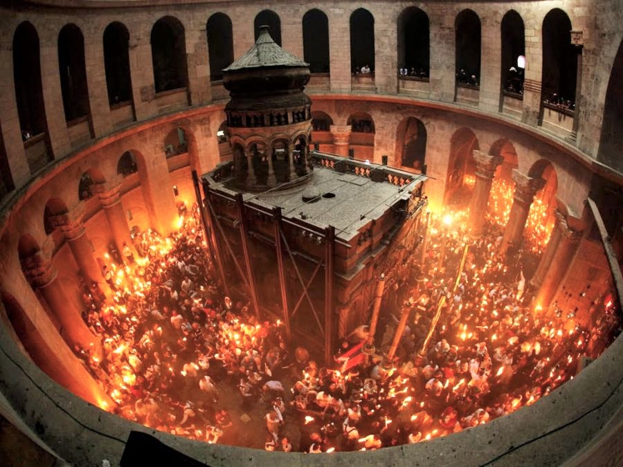 The amazing exhibition  Unveiling the Tomb of Christ,  a 3-D experience inside the Church of the Holy Sepulchre is being hosted at the Byzantine and Christian Museum of Athens until October 2018. Source: byzantinemuseum.gr