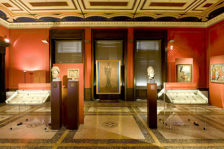 The Museum   houses a collection of around 600,000 objects, constituted of mainly coins, but also medals, dies, stamps and other artifacts from the 14th century BC until modern period. Source: en.topostravel.com