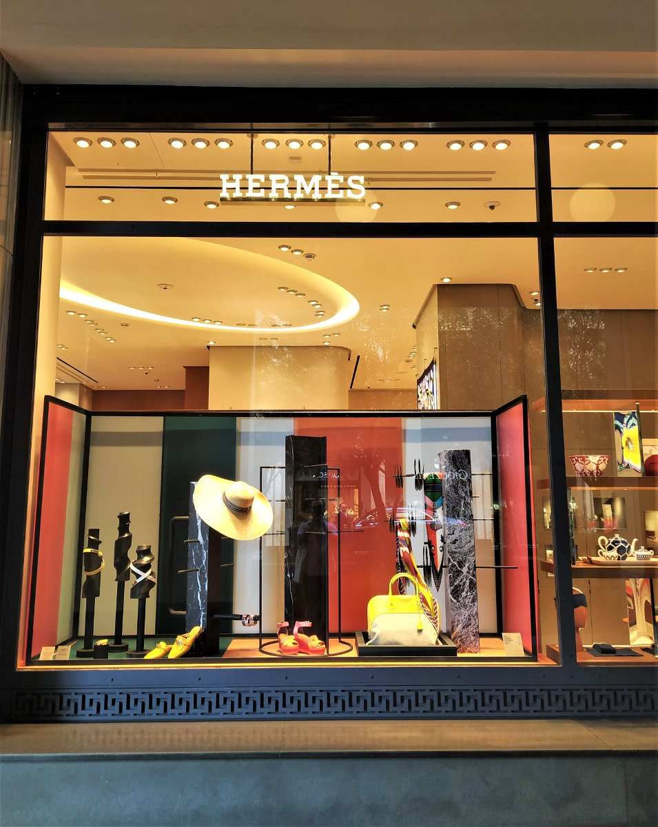 Hermes is just one of the many luxurious shops that visitors and locals can head to while shopping in Kolonaki.