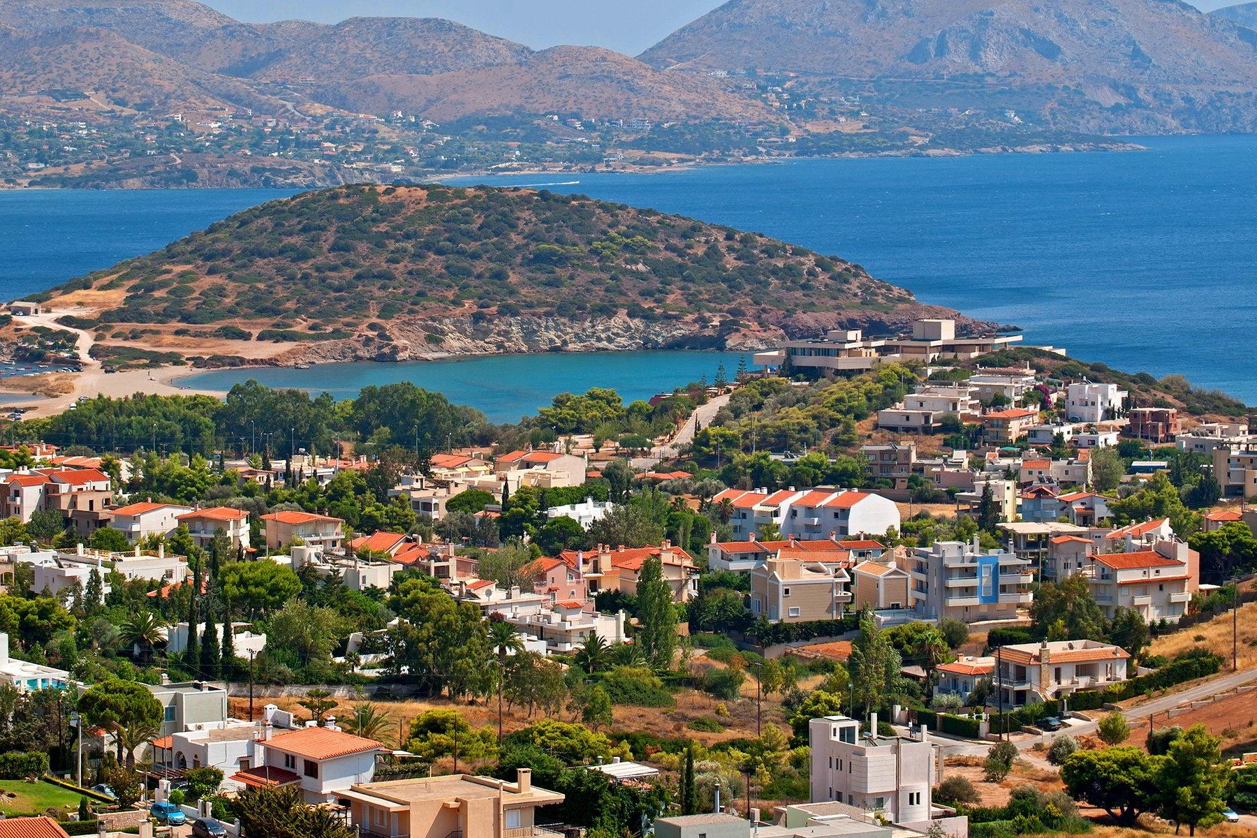 The Athens Riviera is the large coastal area in the southern suburbs of Athens from Piraeus to the tip of Sounio.