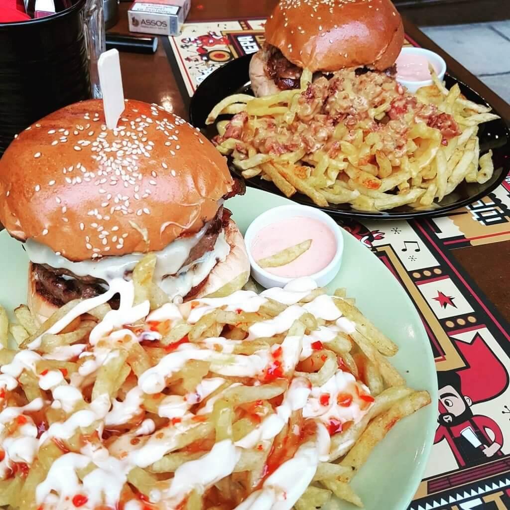 Huge and delicious burgers in  Mpar-Mpee-kiou  in Piraeus. Source:  Mpar-Mpee-kiou
