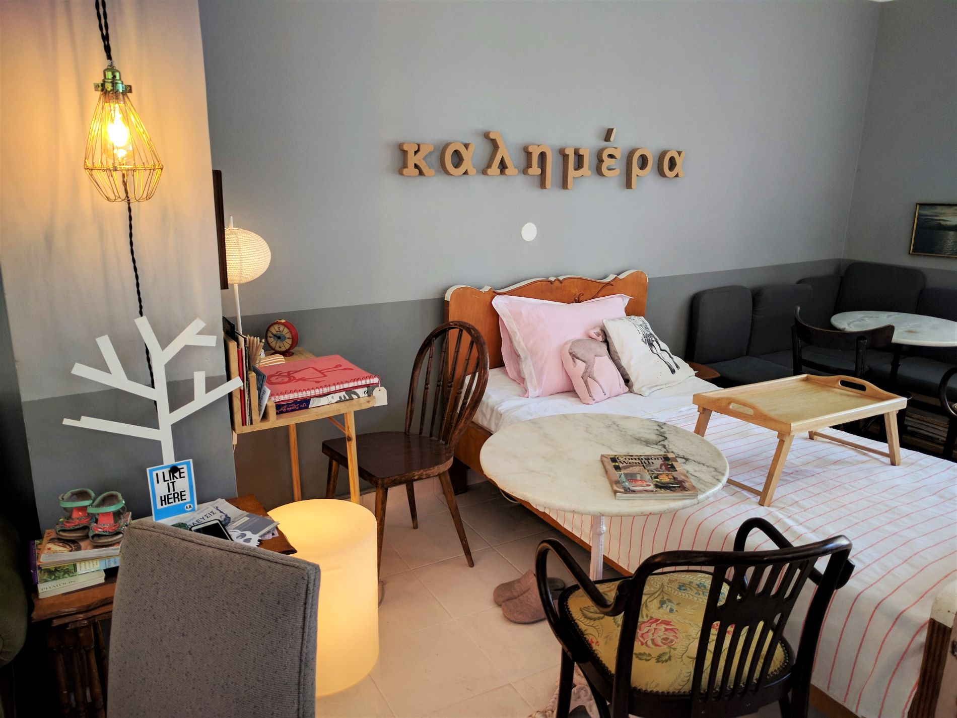 Homey and cozy atmosphere inside  Spitimas  in Psyrri neighborhood.
