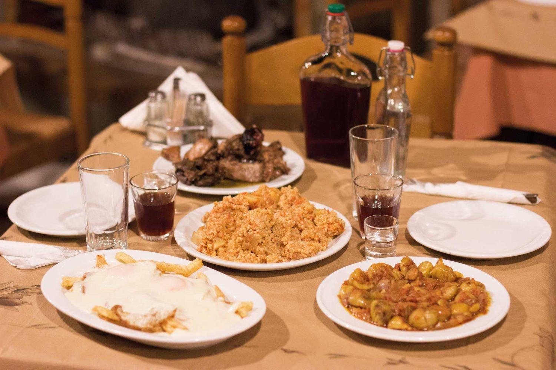 Choose  Diomataris  for the most authentic Cretan Greek cuisine. Photo source: Lifo