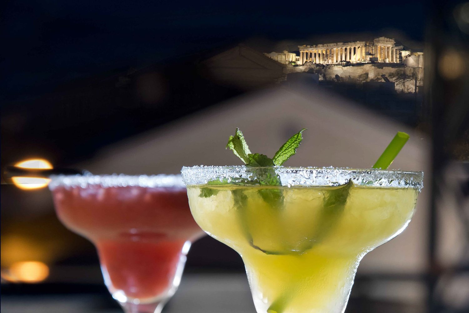 Try one of the  45 Moires ' delicious cocktails while enjoying the view of Acropolis. Photo source: 45moires.gr