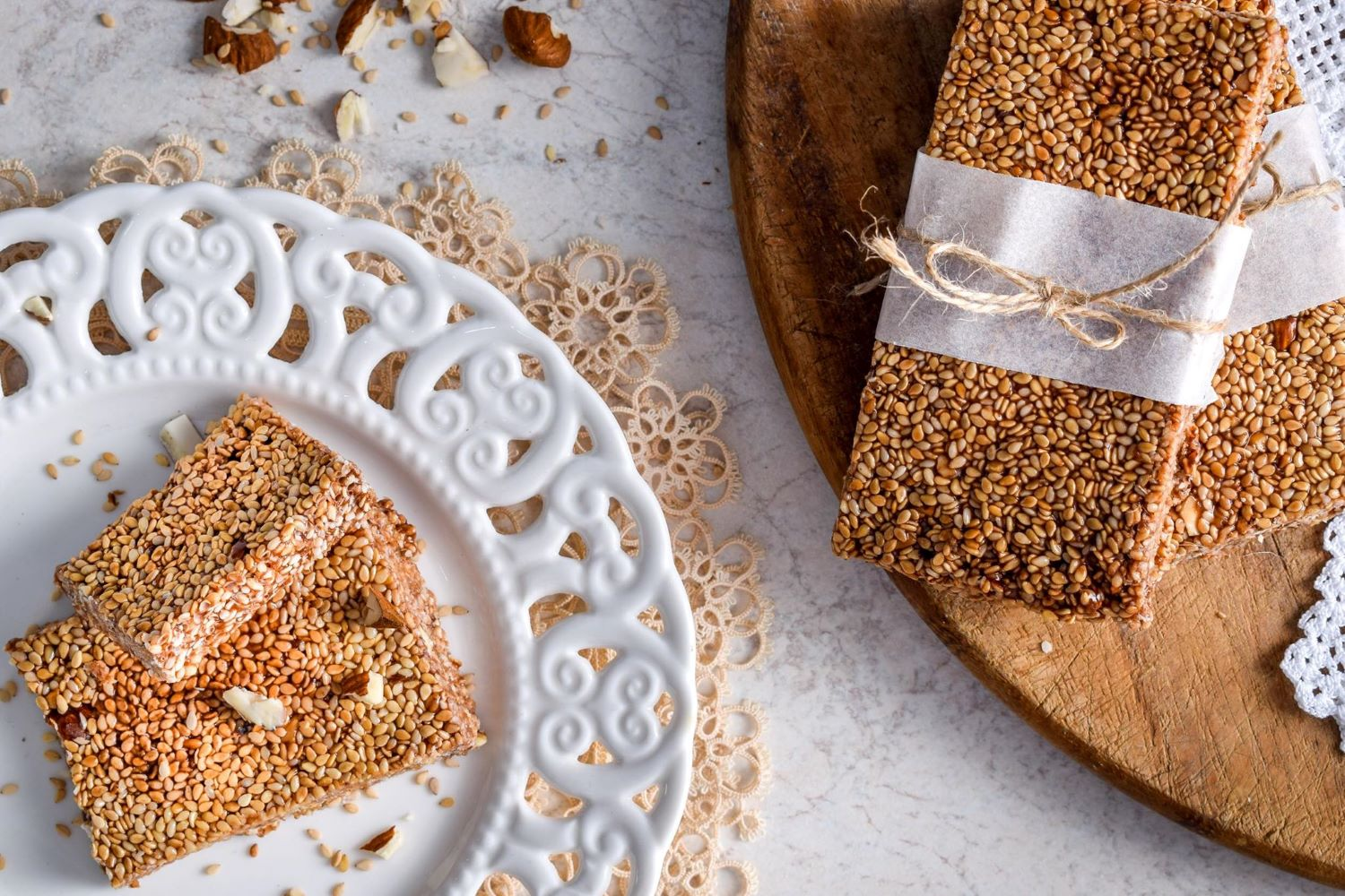 Pasteli  is the Greek traditional energy bar. Photo source: toplou-honey.com