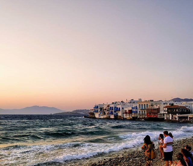 #Mykonos was just one of the #Greekislands we visited this summer. Little Venice is one of the most #instagrammable spots of the island for a not-to-miss #sunsetview. Where have you spent or currently spending your vacations? 🌅 Let us know with a comment below 😊 #littlevenice #jawdroppingview 🔹 🔸 🔹 🔸 #sunset_ig #visitgreece #truevoyagers #traveleroftheweek #passionpassport #mytinyatlas #travel_drops #mykonosIsland #ig_europe #cyclades_addicted #cyclades_islands #gf_greece