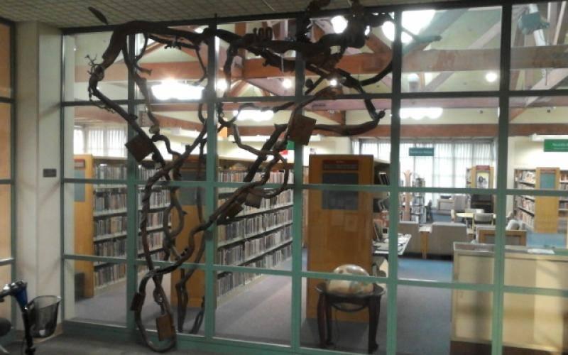 Dicta.  Sandra Shannonhouse,1991. Benicia Public Library.