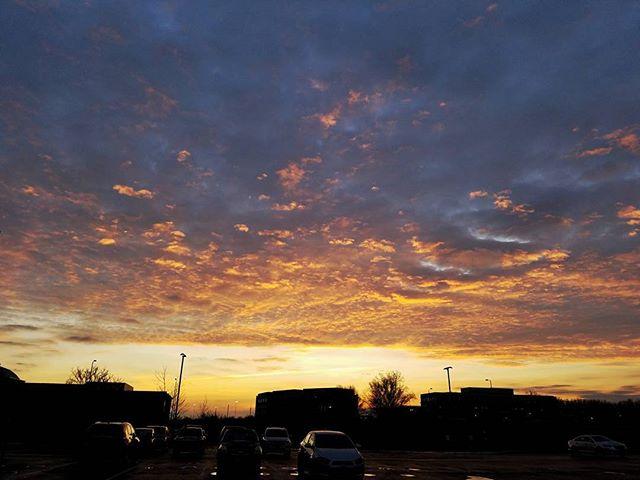 What a gorgeous sunrise when you have to work Saturday morning! #sunrise #clouds #gorgeous #beautiful #beautifulsky #naturelover #naturephotography #nature #sky #sunrise_sunsets_aroundtheworld #getoutside #liveinthemoment #smile #asmileatrandom #columbus