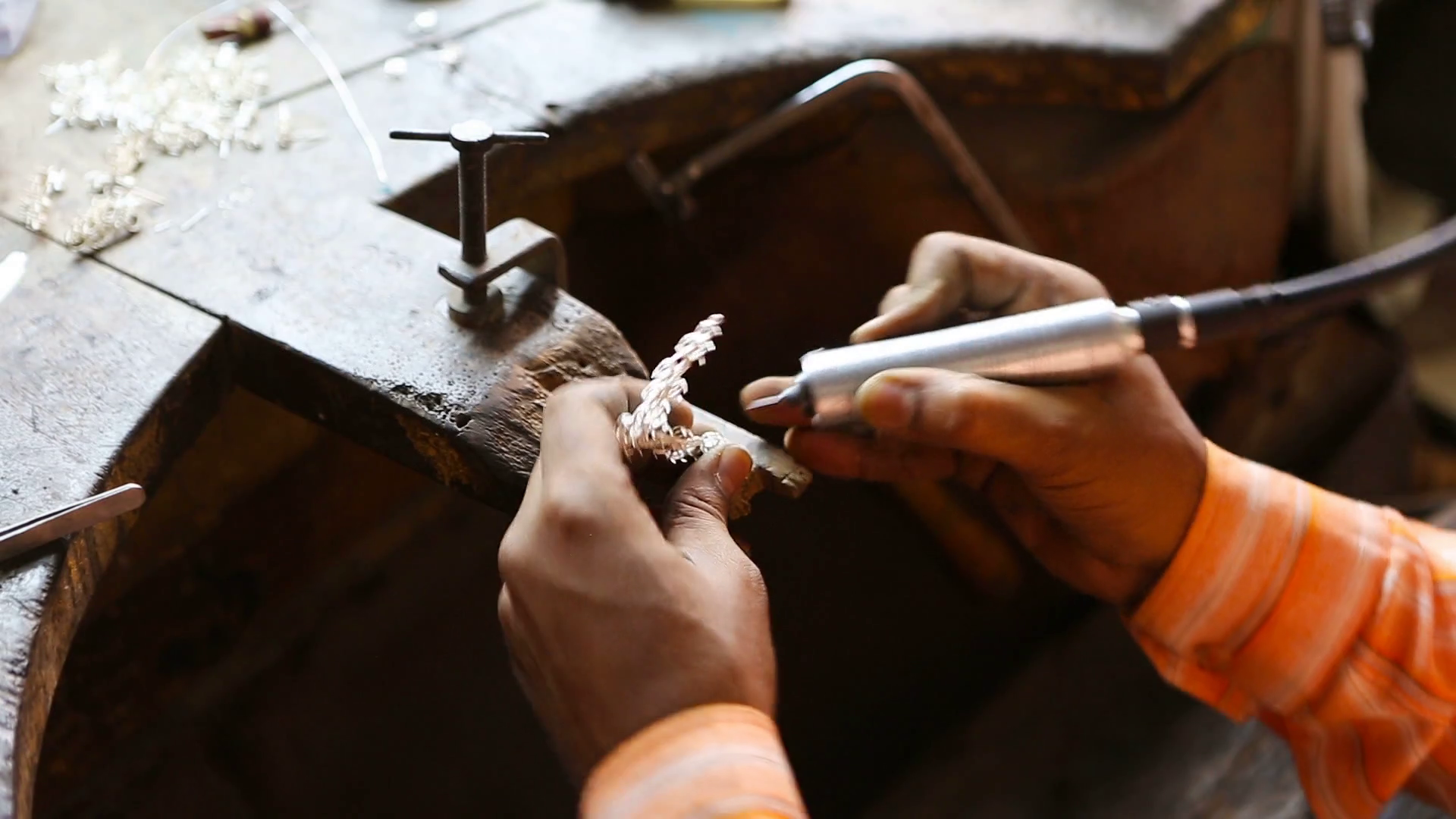 videoblocks-indian-jeweler-making-an-oriental-jewelry-in-workshop-handmade-traditional-jewel-manufacturing-in-jaipur-rajasthan-jewelry-manufacturing-process-in-india-indian-silver-and-gold-jewel-and-gems_r_fne-dfax_thumbnail-full01.png
