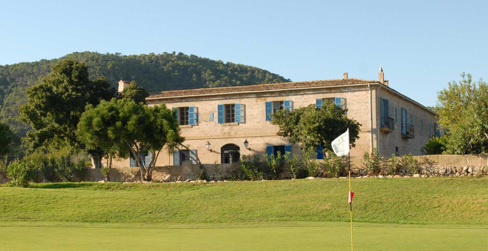 Country mansion near golf club
