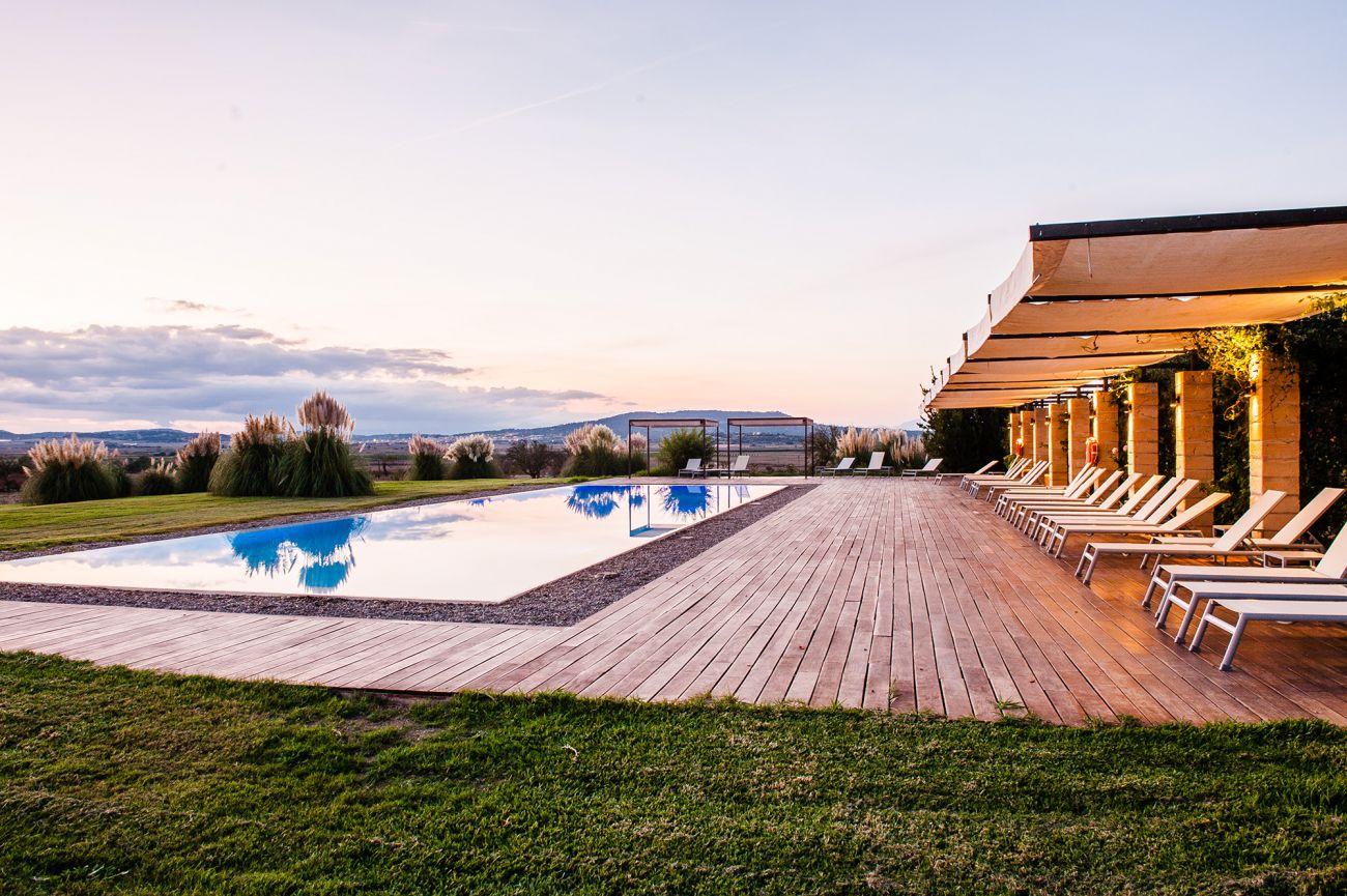 Classical Mallorcan hacienda in a rural landscape and rigor providing great comfort.