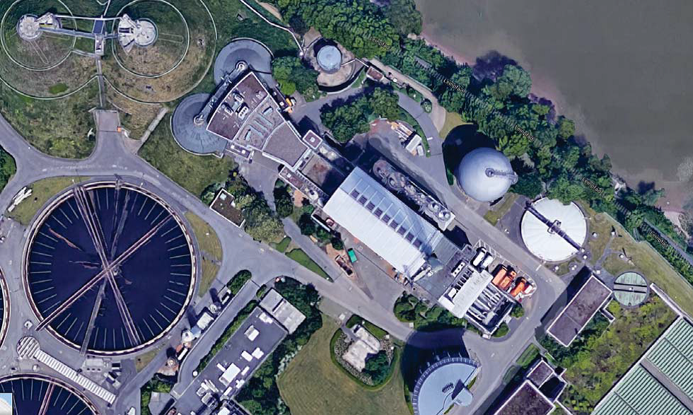 Am Salierweg würde die neue Verbrennungsanlage am bestehenden Standort (Gebäude mit weißem Dach) errichtet; Quelle: Born - Ermel,  Machbarkeitsstudie Salierweg , S. 12