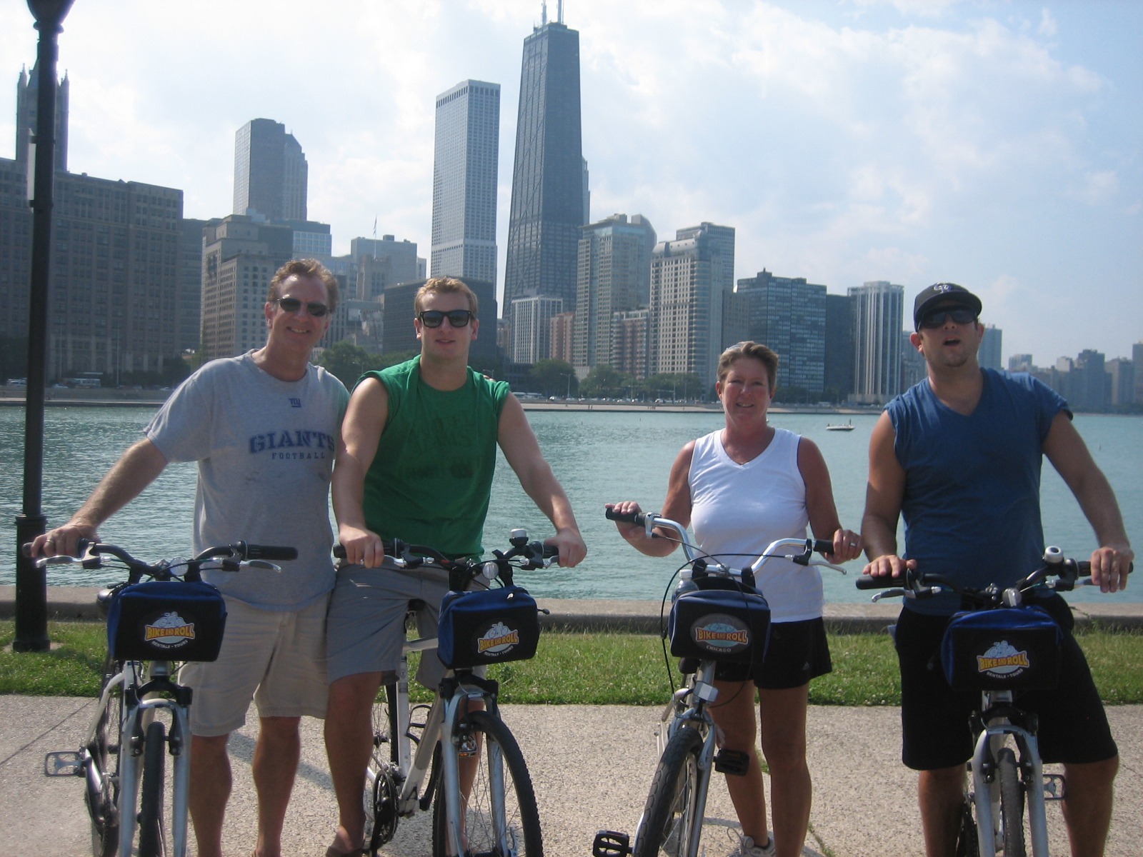 Family bike ride in Chicago