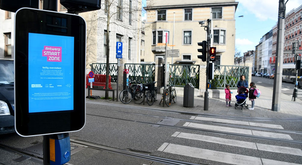 allsee-digital-signage-case-study-antwerp-outdoor-smart-city-advertising-01.jpg