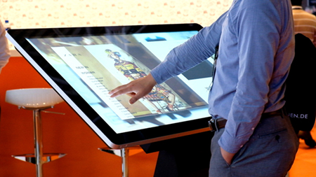 avitor-pcap-freestanding-touch-screen-kiosk-table-dual-os-windows-android-09.jpg