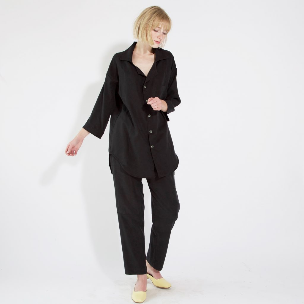 This is the original tunic blouse by  Hackwith Design House . So effortless! So PJ-chic! So... not what I thought I wanted.