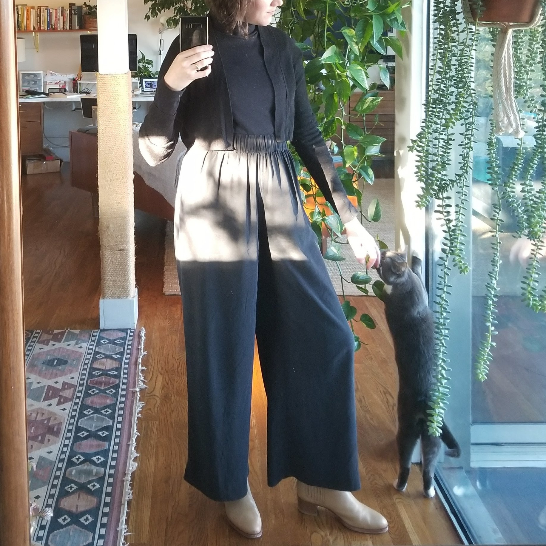 Friday - January 5, 2018For my first real day back at work in the office, I wear what I will now dub the Power Outfit — Elizabeth Suzann florences and Kotn turtleneck. I feel invigorated on my 3/4 mile walk to the train in 22 degree weather. I wear not one but two pairs of long johns below the silk pants in addition to three layers on top. An OK day back to work.