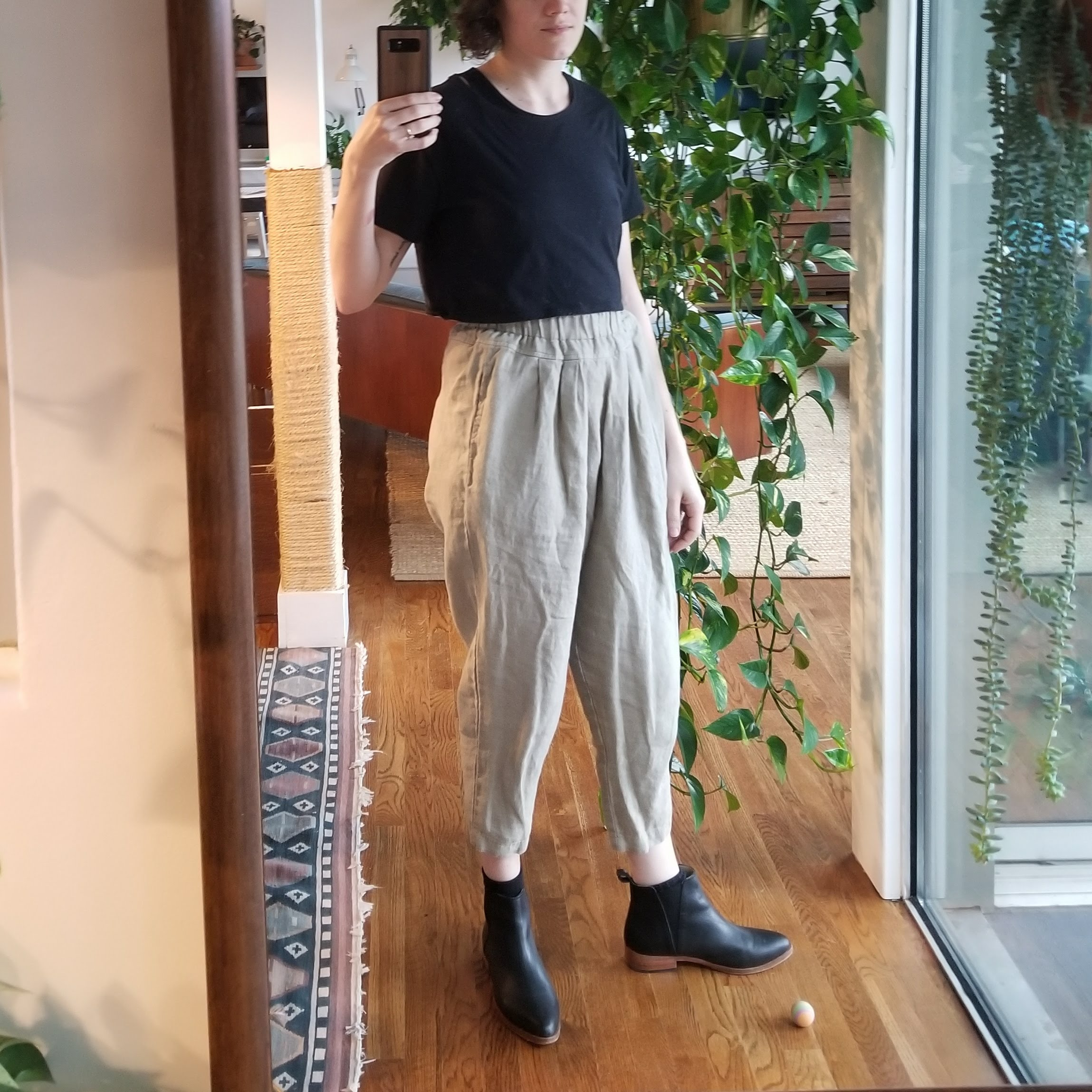 Saturday - March 17, 2018Errand to the hardware store in this outfit before cloistering up for the rest of the weekend working on bathroom finishing touches. The Black Crane carpenter pants look a little silly with boots, just four inches of bright white ankle showing. These pants definitely look better with a ballet flat or sandal. Noted!